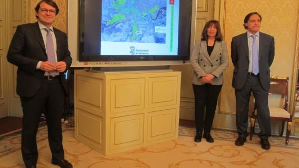 El alcalde de Salamanca muestra el nuevo plan verde