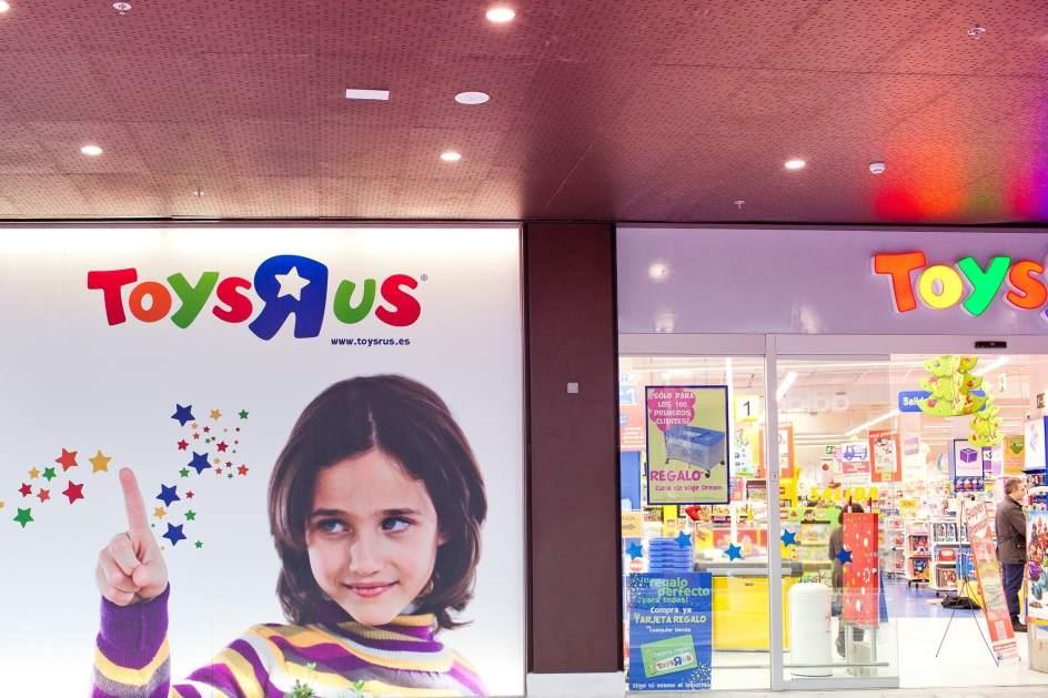 Toys 39 r 39 us traslada su tienda al centro comercial alisios - Maletas infantiles toysrus ...