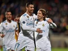 El Real Madrid sella su pase a octavos de Champions con una goleada balsámica ante el Apoel