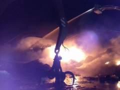 Protección Civil alerta a cinco municipios por el humo de un incendio en Sant Feliu