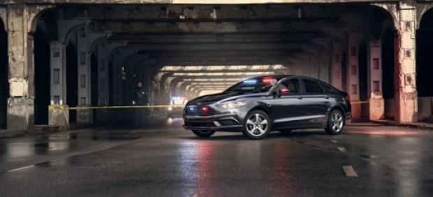 Ford lanza su primer coche de policía híbrido enchufable