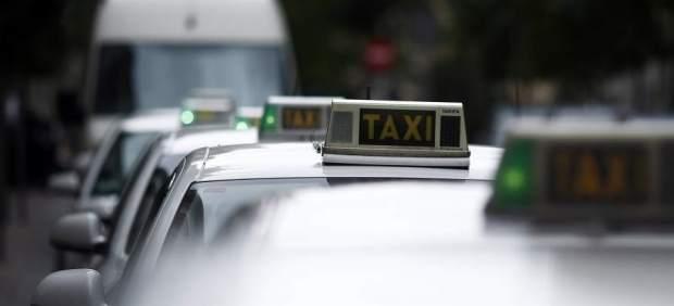 El taxi denuncia intrusismo de las apps chinas 'Huan Bao Che' y '168' que operan sin tener una ...