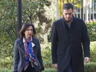 La portavoz parlamentaria del PSOE, Margarita Robles, y el secretario general socialista, Pedro Sánchez.