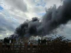 """Una nube de humo """"tóxica"""" cubre el cielo de Bruselas"""