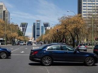 Coches, tránsito, Castellana, tráfico, contaminación, Madrid, torres, edificios