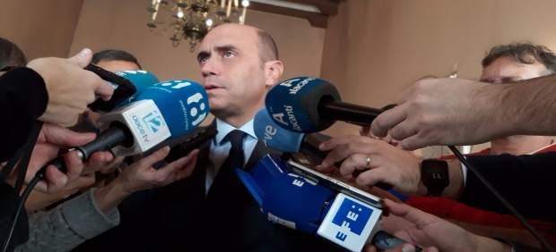 Gabriel Echávarri, este viernes en atención a los medios