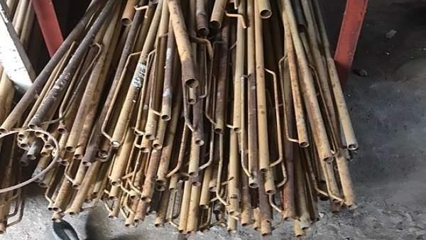 Puntales recuperados por la Guardia Civil.
