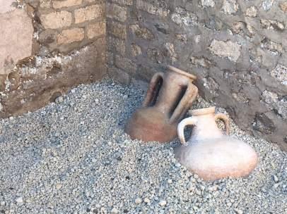 Encuentran en Pompeya catorce ánforas intactas de la época romana
