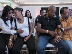 Dos parejas homosexuales contraen matrimonio en una boda masiva