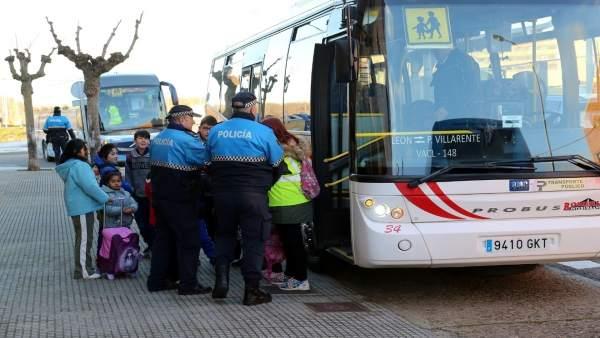 Prensa Aytoleón. Campaña Control Transporte Escolar