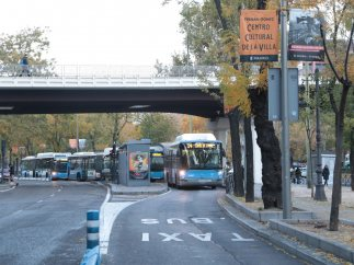 Carril bus sin rastro de taxis en Madrid