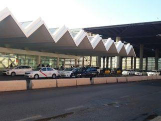 Taxistas concentrados en la Estación de Atocha