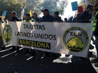 Taxistas latinos de Barcelona marchan en Madrid
