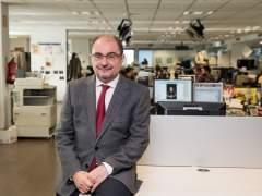 El presidente de Aragón, Javier Lambán, en la redacción de 20minutos.