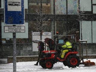 Quitando nieve