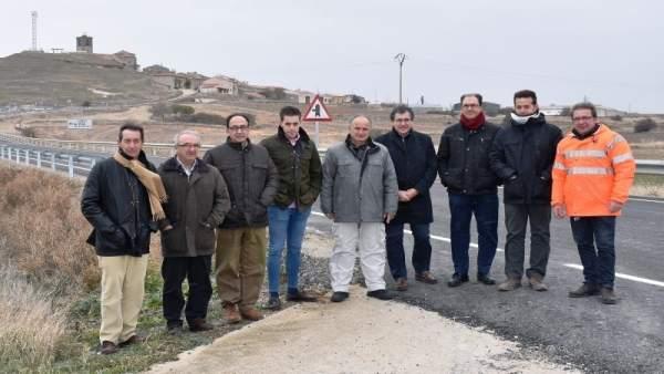 Visita de Manuel López a las obras en la CL-101