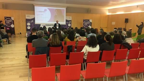 Burgos.- Un momento de la conferencia de Gloria López