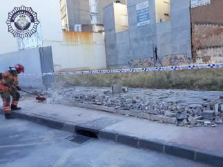 Cascotes por la caída del muro
