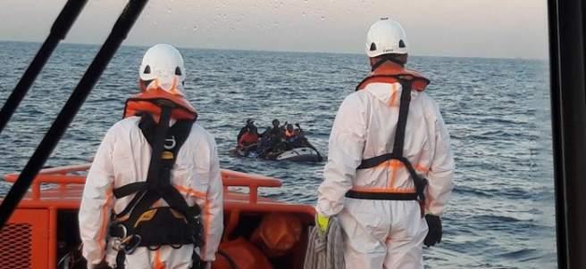 Rescate de inmigrantes en el Estrecho