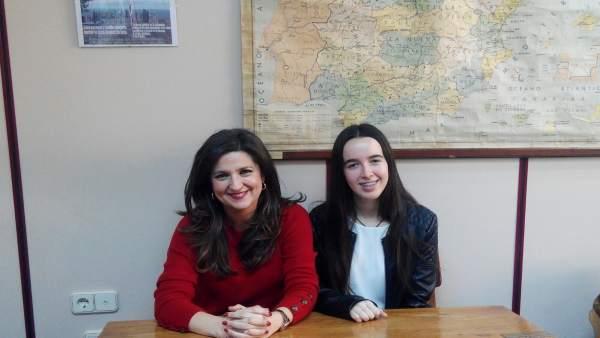 La delegada recibe a Carmen Arjona, alumna del Conservatorio Profesional de Jaén