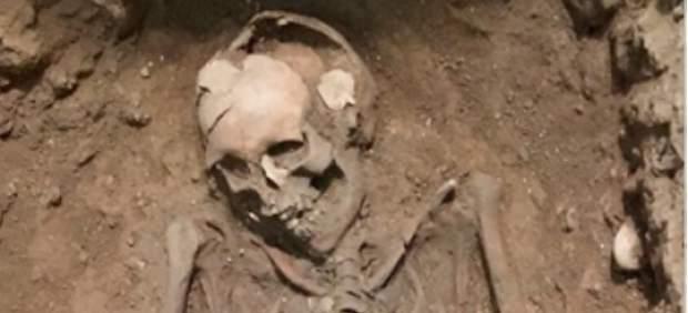 Hallan una perfumería del siglo III y un enterramiento visigodo en la plaza Manises de València