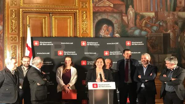 A.Colau presenta un acuerdo sobre la ordenanza de terrazas