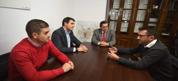 Reunión de Diputación y Ayuntamiento de Baza con la firma Capital Energy