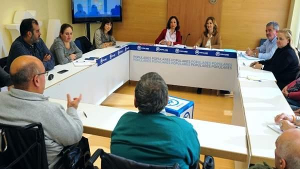 Navarro PP) reunion sobre ayudas a rehabilitar viviendas