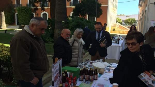1 Nota Y 3 Fotos Junta (Presentación Biblioteca Gastronomía Andaluza)