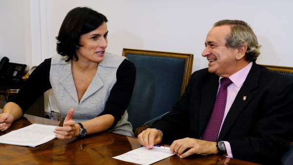Primera reunión de Gema Igual y Emilio Lora-Tamayo