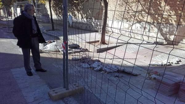 El Ayuntamiento de Sevilla realiza obras en calles del Cerro y La Negrilla