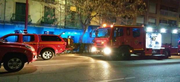 Los bomberos de la DPZ han ayudado a los vecinos del edificio