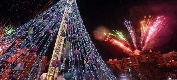 Encendido árbol Navidad de La Circular fuegos artificiales