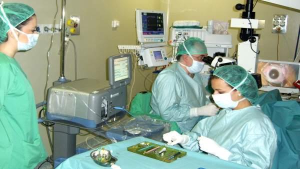 Intervención en quirófano de cataratas