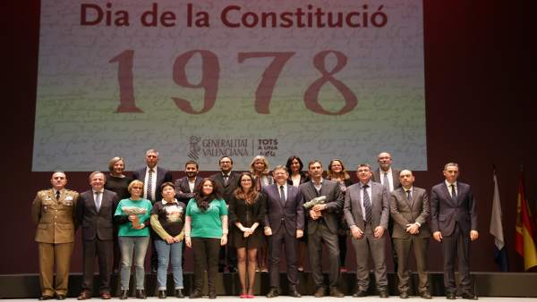 Puig preside la celebración del Día de la Constitución en Alicante