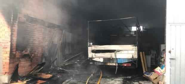 Valladolid. Incendio en nave agrícola