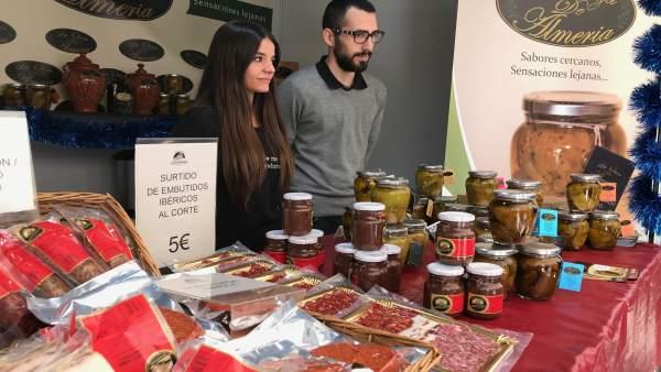 Los productos de 'La Orza de Almería' se venden al público en la Feria 'Sabores'
