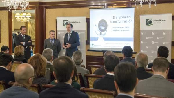 Sesión informativa celebrada por EspañaDuero.