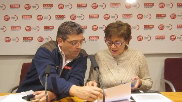 Benito Gómez y Rosa González durante la rueda de prensa