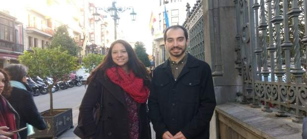 Héctor Piernavieja junto a Nora Isabel Espina.