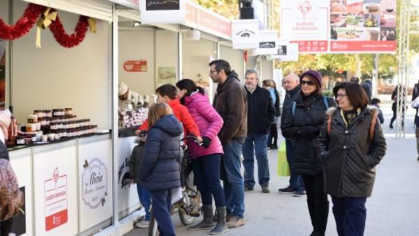 Feria Sabor Granada en la plaza del Humilladero con motivo de la Navidad