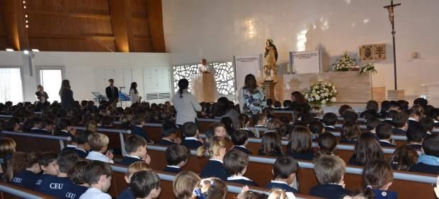 Celebración de la Inmaculada en el Colegio CEU San Pablo Sevilla