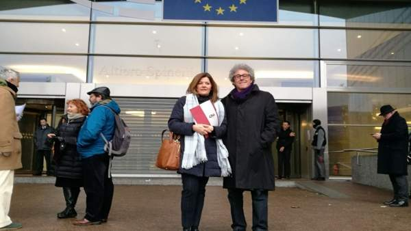Carmen Martínez y Gregorio Briz, de CHA, en unas jornadas en Bruselas
