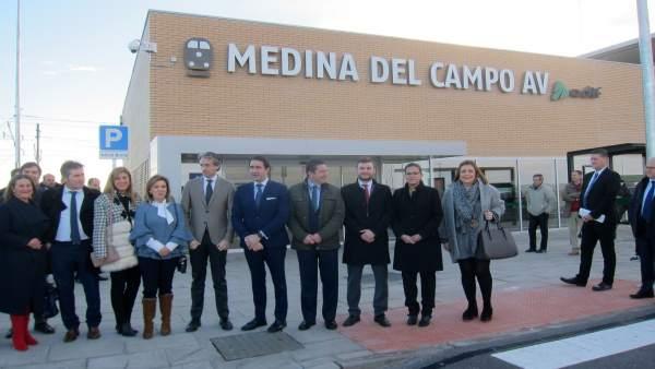 De la Serna, en la nueva Estación del AVE en Medina.