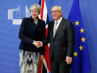Juncker y May