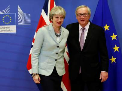 Juncker y May