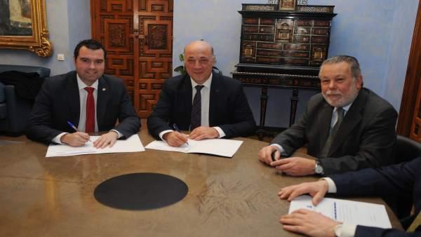 Acuerdo entre la Diputación de Córdoba y el Ayuntamiento de Priego
