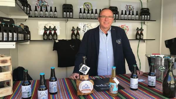 Cervezas 'La Cala' elabora cervezas artesanas con un toque innovador.