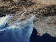 La impresionante imagen de los fuegos en California, vistos desde los satélites europeos