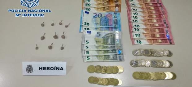 Detenida una pareja por vender heroína desde su vivienda del barrio de San José de Las Palmas de ...